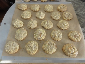 Baked white chocolate apricot oatmeal cookies