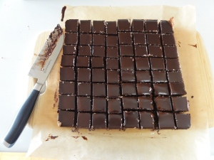 Cut nanaimo bars