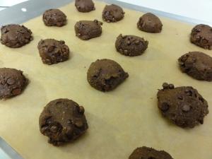 Vegan chocolate pumpkin spice cookies